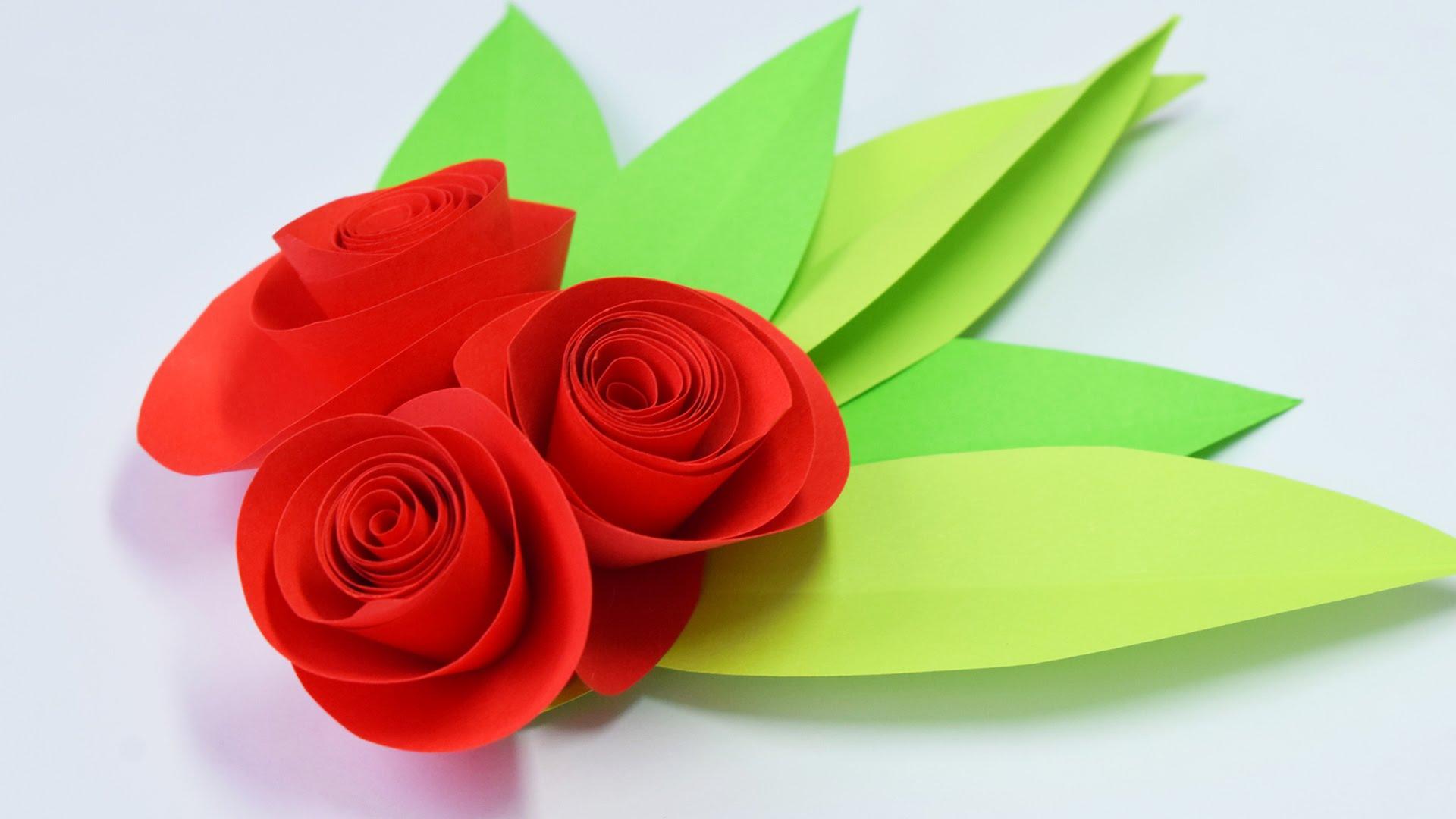 Семья надписями, цветы из цветной бумаги для открыток