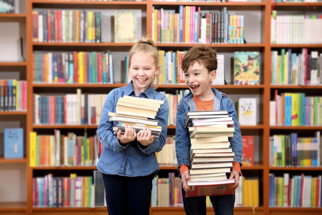 Картинки дети и книги в библиотеке