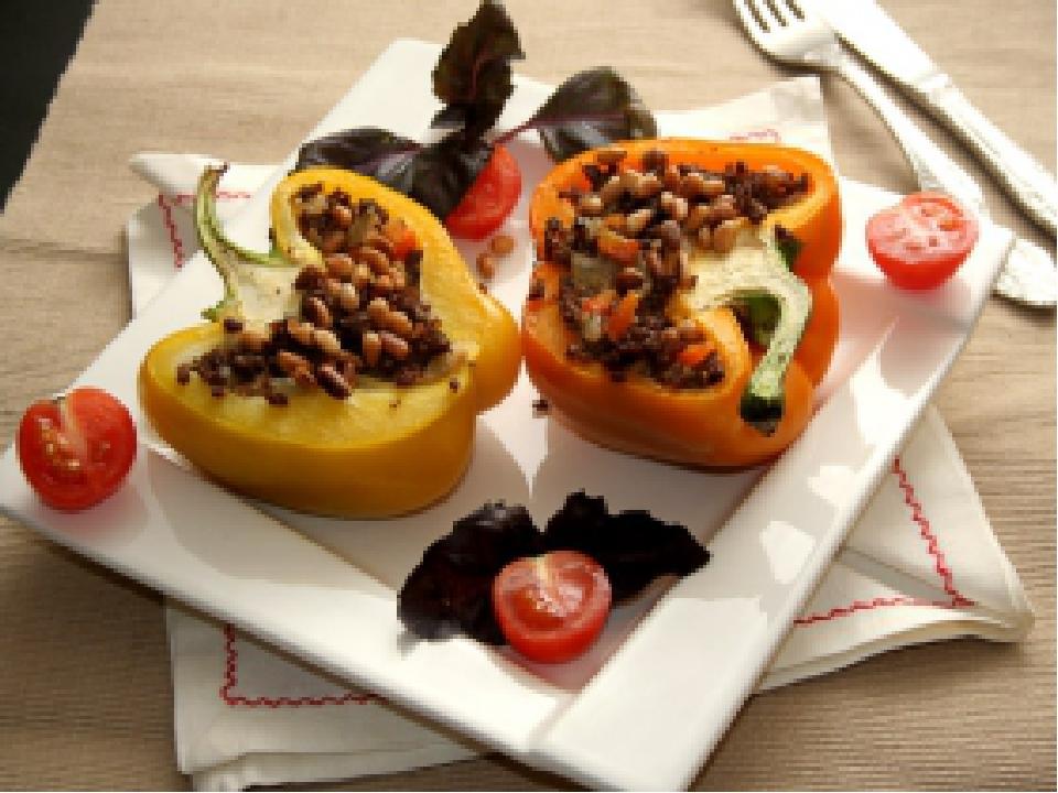 Фаршировать можно любые овощи, прекрасно подходят кабачки, болгарский перец...