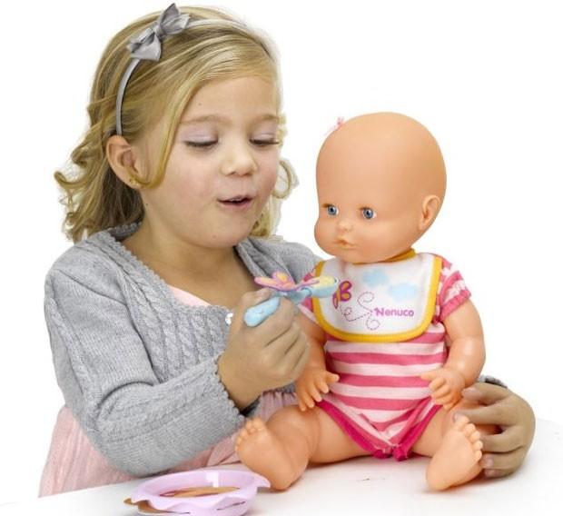 эту картинки куклу кормят зефир