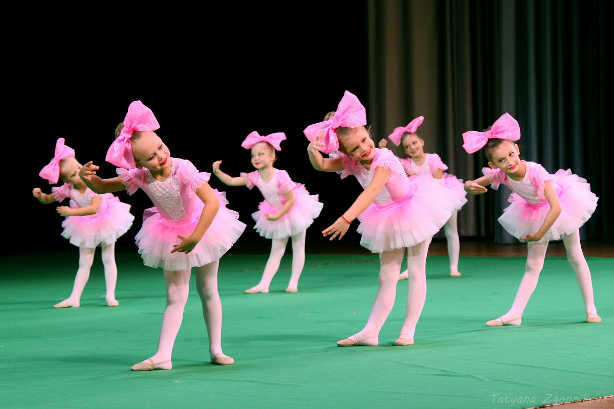 Куклы танцуют картинки