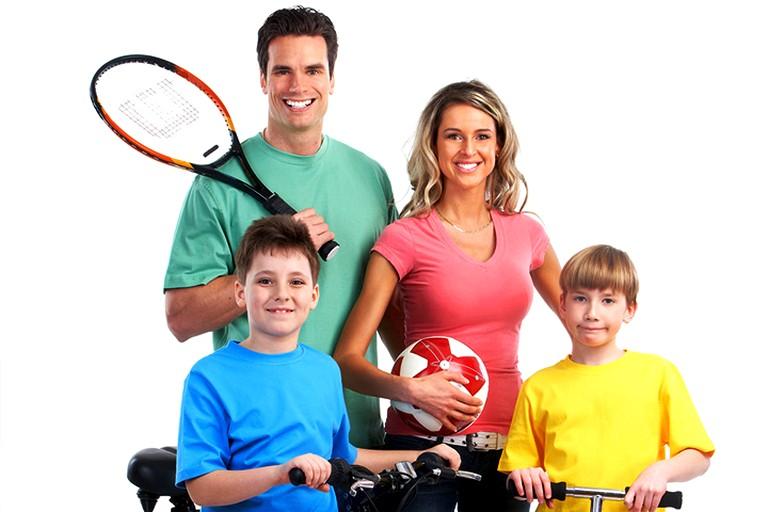 Смешные куртки, открытка спортивная семья